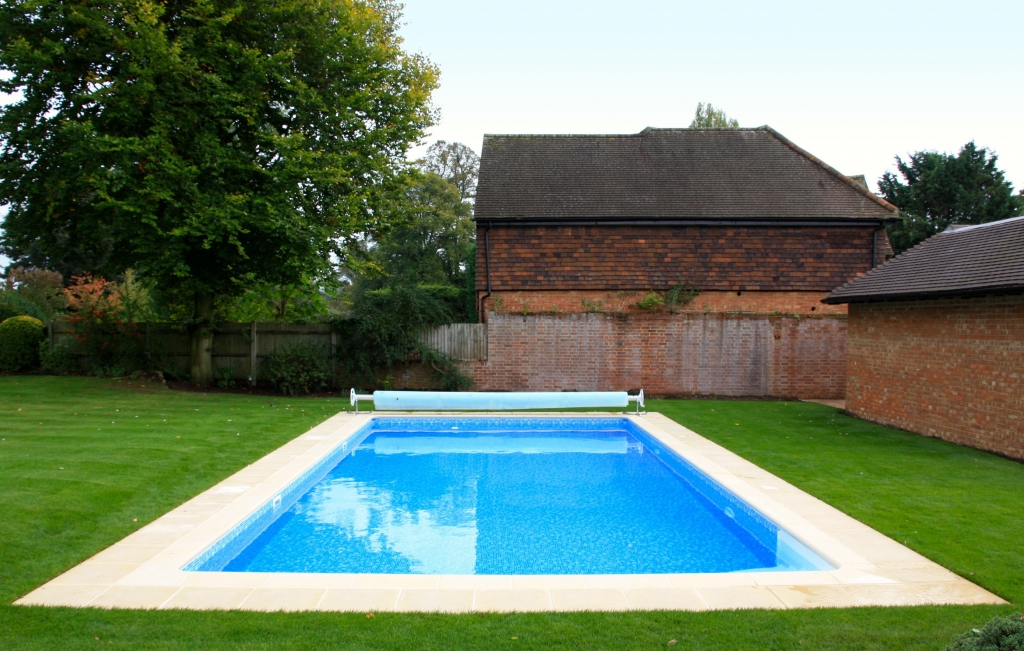 Residential Outdoor Pools Up To GBP40000